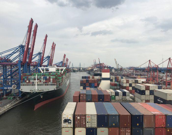 Manöver am Containerterminal Burchardkai Hamburg