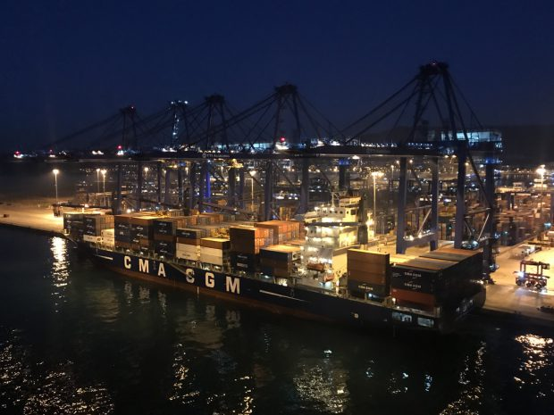 Einfahrt in den Containerhafen Algeciras